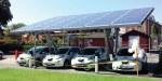 Solarcarport mit Ladestation für Elektroautos