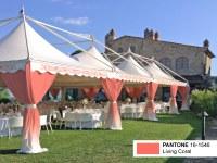 Partyzelte in Pantone Living Coral für trendige Hochzeiten!