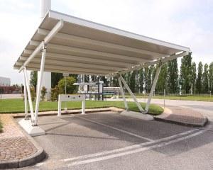 Carport mit Ladestation für Elektroautos