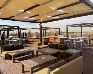 Sonnenschutz pavillon für die Bar