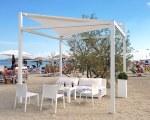 Sonnensegel für Badeanstalt Prestige in Lido delle Nazioni, Italien