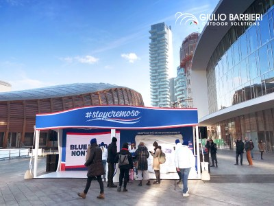 Artena Srl chooses Qzebo, the modern gazebo, to lift up the Blue Monday mood at the #StayCremoso event in Milan