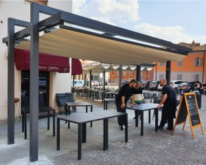 Retractable awning for Manufatti Sant'Antonio in Monticello d'Alba (CN) - La Sacrestia
