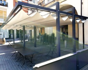 Retractable awning for Manufatti Sant'Antonio in Monticello d'Alba (CN) - Santagada