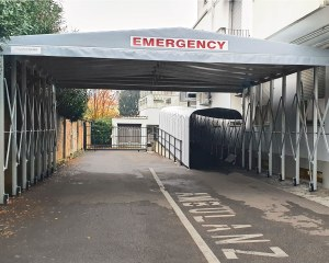 Retractable tunnel at Hospital Emergency Entrance