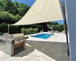 Free-standing shade sail – private house