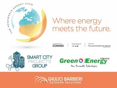 La borne de recharge pour vélos électriques et le carport solaire de Giulio Barbieri au Key Energy 2019 de Rimini