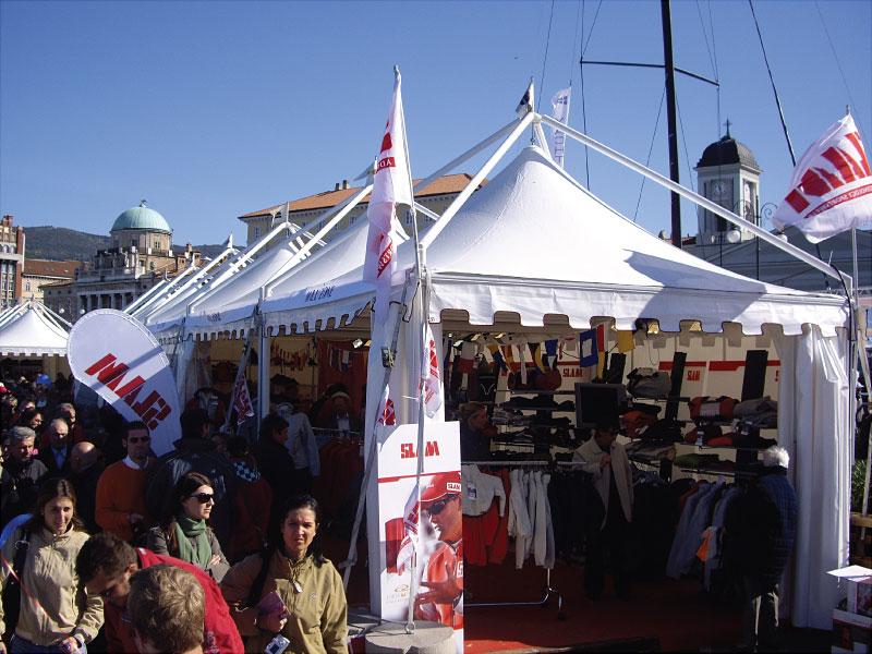 Chapiteaux pour le Barcolana de Trieste