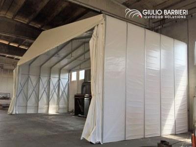 Une cabine de peinture temporaire signée Giulio Barbieri pour Floatex, entreprise leader dans le secteur des produits marins flottants