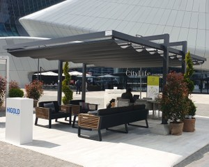 Pergola avec toile coulissante pour In Out Fuorisalone - Milan
