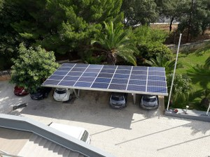 Carport solaire en aluminium - Alternative tecnology - Malta