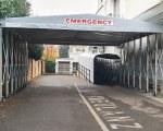 Rétractable tunnel à l'entrée d'urgence de l'hôpital