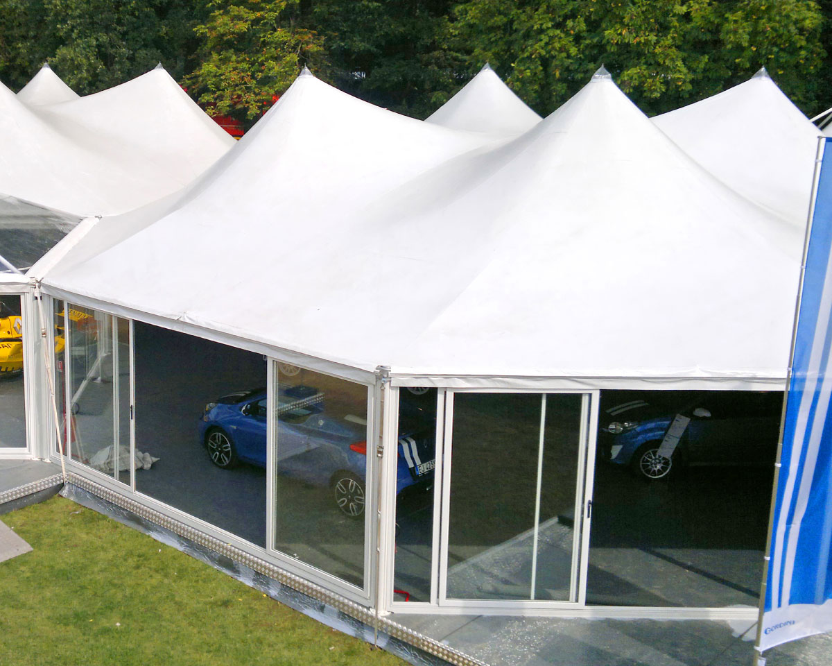 Concessionaria Renault - Gazebo utilizzato come showroom