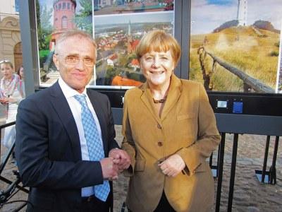 Germania - Angela Merkel esamina il progetto ecosostenibile di Rügen