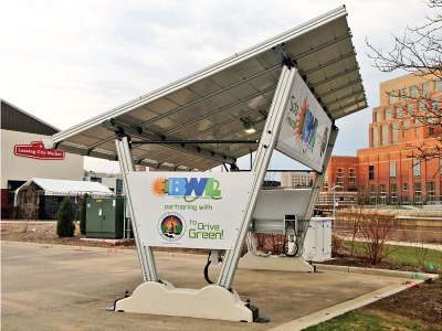 USA - Giulio Barbieri realizza la prima stazione solare per veicoli elettrici di proprietà comunale